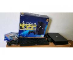 Playstation ps4 pro Mit viele spiele