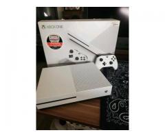 Xbox One S 1TB wie neu mit OVP!!!!