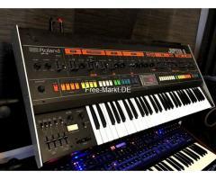ROLAND JUPITER 8 Vintage Analog Synthesizer