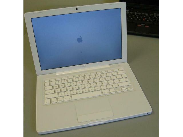 Laptop von Apple - MacBook - 15,4 Zoll - Webcam - schneeweiß - 1/2