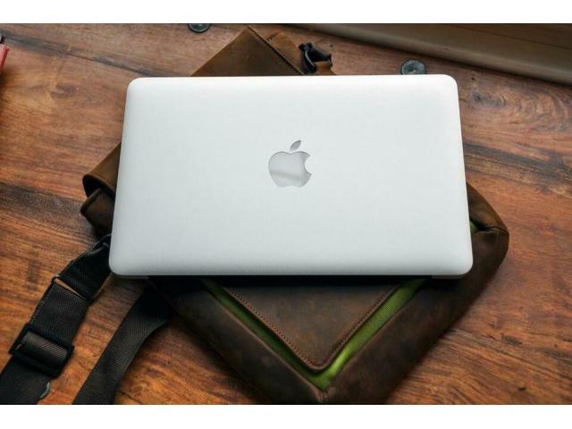 Laptop von Apple - MacBook - 15,4 Zoll - Webcam - schneeweiß - 2/2