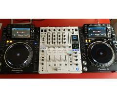 Pioneer DJ Anlage 2x CDJ 2000 NXS2, 1x DJM900 NXS2-W Limited