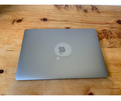 "MacBook Pro 15 "", i7, 32 GB, 4 GB VRAM, 512 GB SSD"