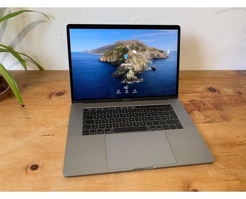 """MacBook Pro 15 """", i7, 32 GB, 4 GB VRAM, 512 GB SSD - 2/4"""