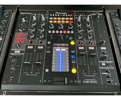 2x CDJ 2000 Nexus mit DJM 2000 Mixer