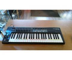 Ich verkaufe Novation LaunchKey49 Midi Keyboard
