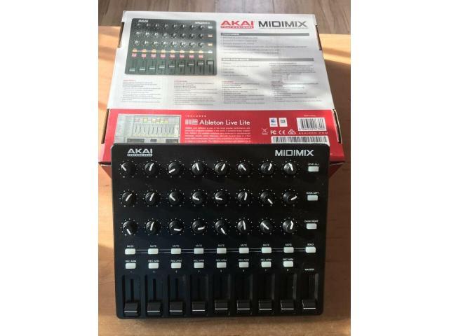 Akai Midimix Midi Controller - 1/3