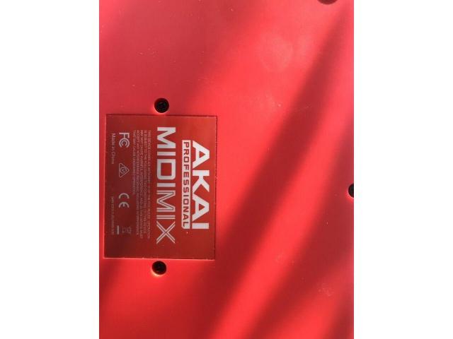 Akai Midimix Midi Controller - 2/3