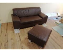 Couch + Hocker zu verkaufen