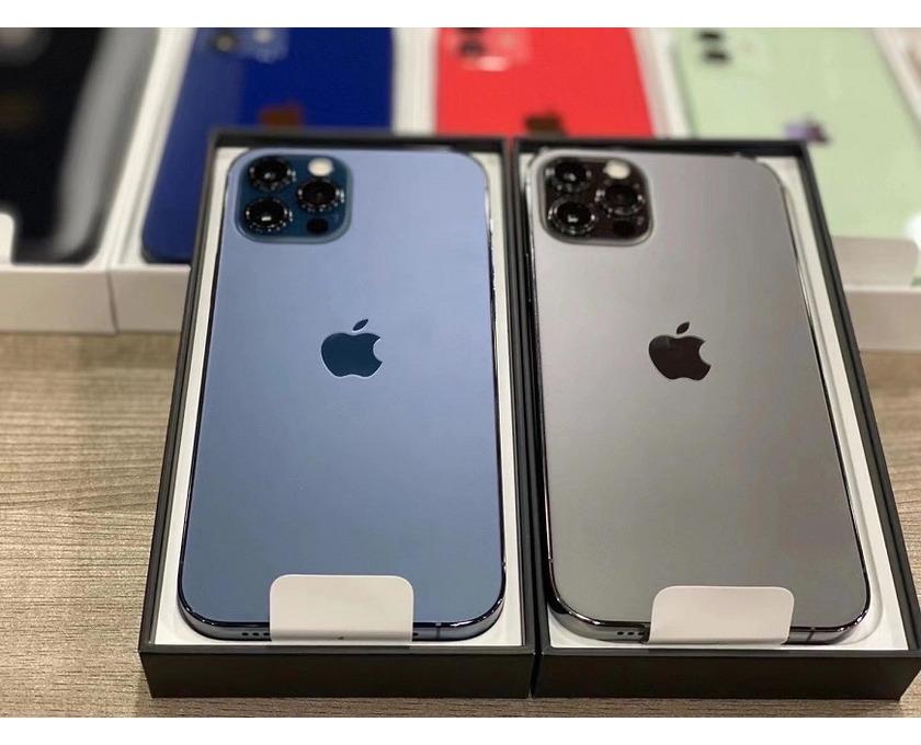 Apple iPhone 12 Pro 128GB - €600, iPhone 12 Pro Max 128GB - 4/6