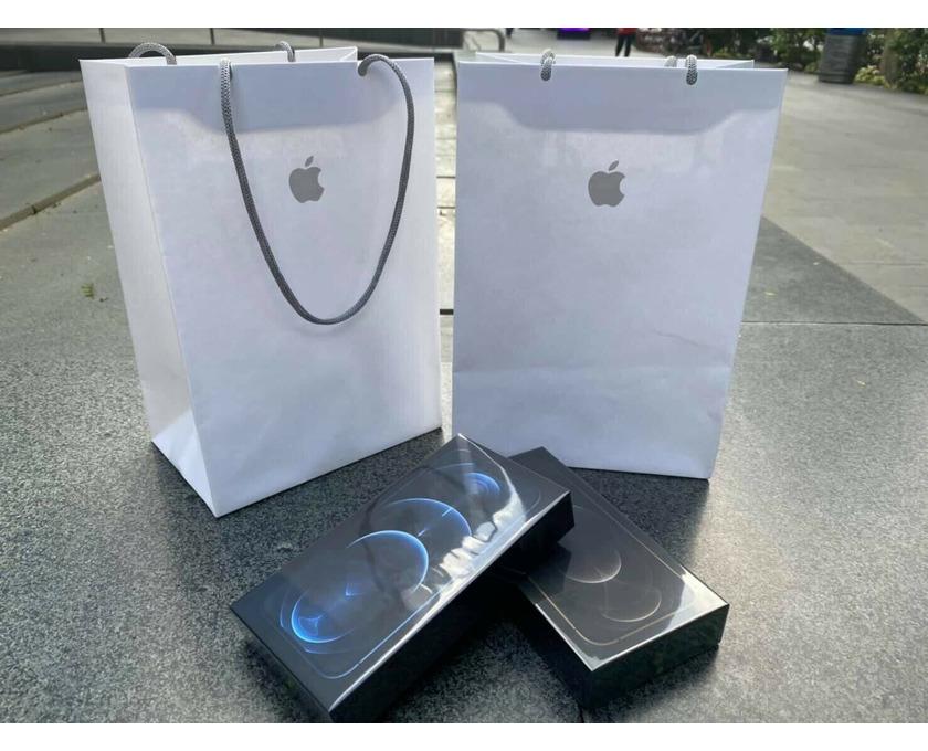 iPhone 12 Pro Max 256 GB Werkseitig entsperrt - 1/1