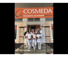 KosmetikerIn werden unter ärztlicher Leitung mit Diplom
