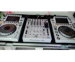 Pioneer CDJ-3000 Professional DJ Multi Player = 1400 EUR