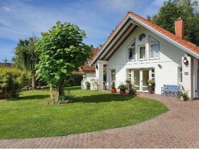 Exklusives großes Landhaus mit gehobener Ausstattung n. Voge - 1/4