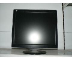 """VERKAUFE TFT LCD MONITOR 17"""""""
