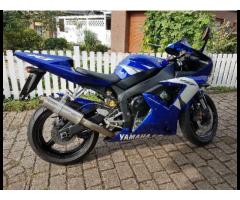 Yamaha R1 rn09