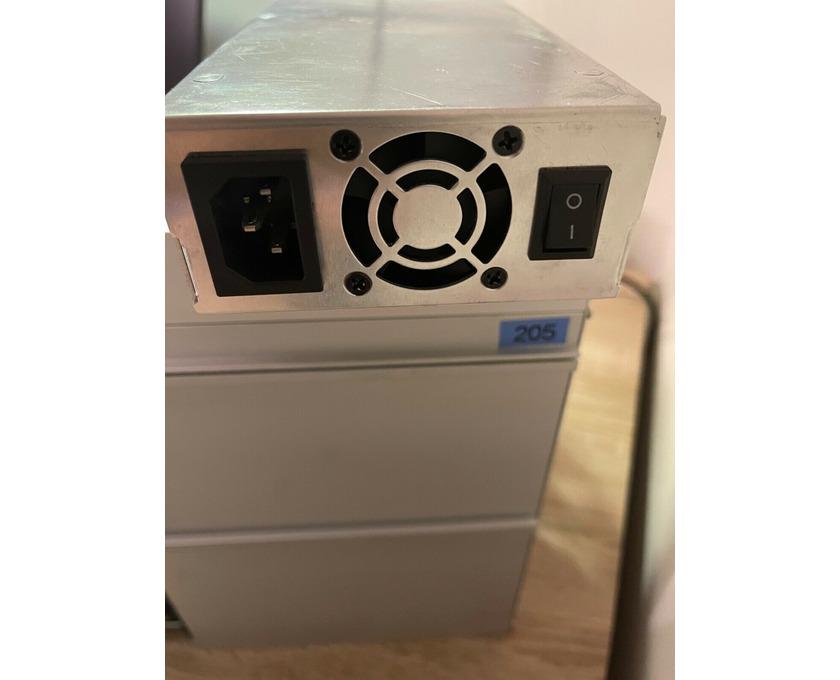Hardware ASIC Bitmain Antminer Z15 420ksol/s Equihash - 3/6