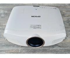 Epson EH-TW9300W Beamer LCD Projektor