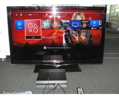 Sony Playstation 4 Konsole 500GB + 2 Spiele